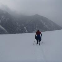 Ty skiing
